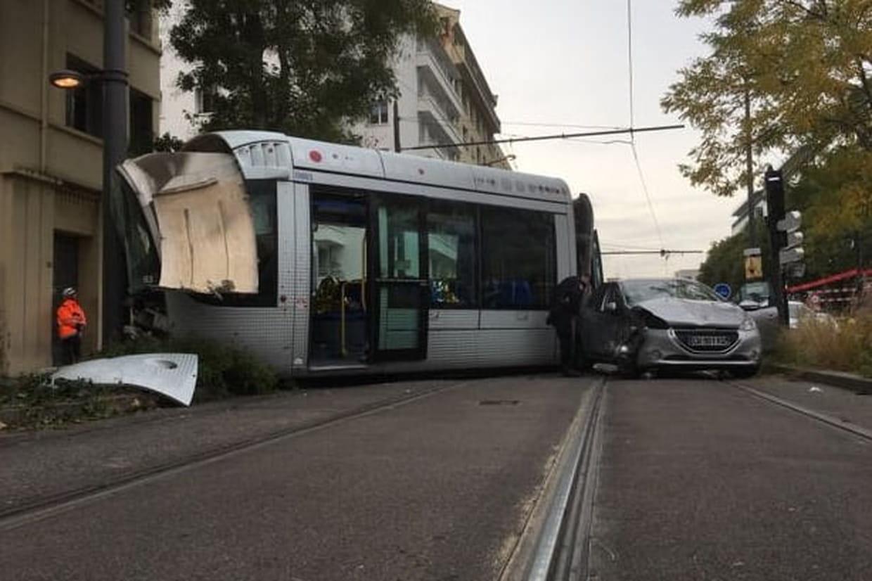 accident de tramway lyon pas de bless s graves le trafic va reprendre. Black Bedroom Furniture Sets. Home Design Ideas