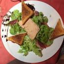 Entrée : La Cas'a Dadou  - Salade Gourmande. Fois gras ,  magret de canard , etc maim -