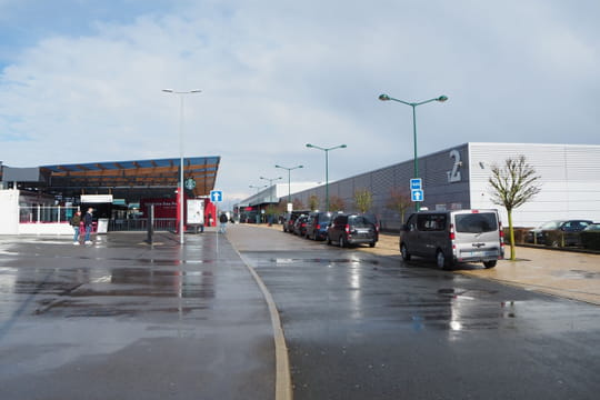 Aéroport de Beauvais: parking, adresse, accès, arrivées... Tout savoir
