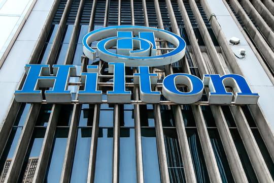 Hilton: une femme attaque le groupe hôtelier en justice, pourquoi?