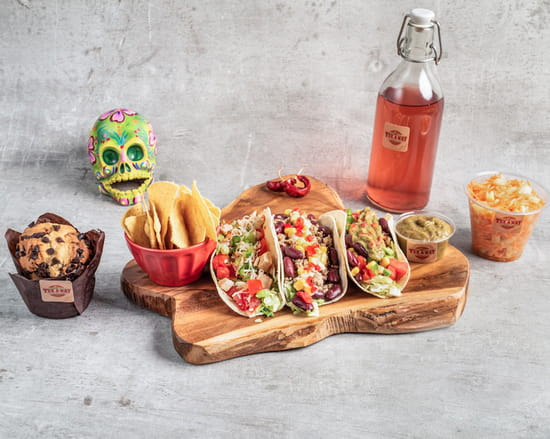 Plat : Tex A Way  - 3 tacos mexicains, tortillas chips et guacamole maison, salade de légumes maison, muffin maison et boisson mexicaine maison -   © #TEXAWAYOFLIFE