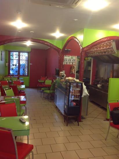 Ararat Royal Kebab  - La salle -
