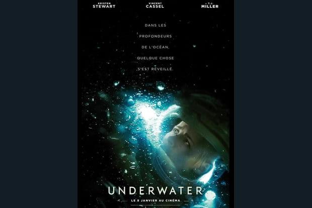 Underwater - Photo 1
