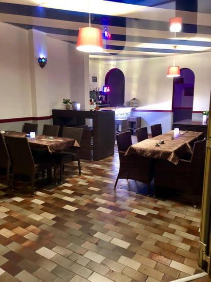 Restaurant : Les Pétales d'Orient   © 1 er salle