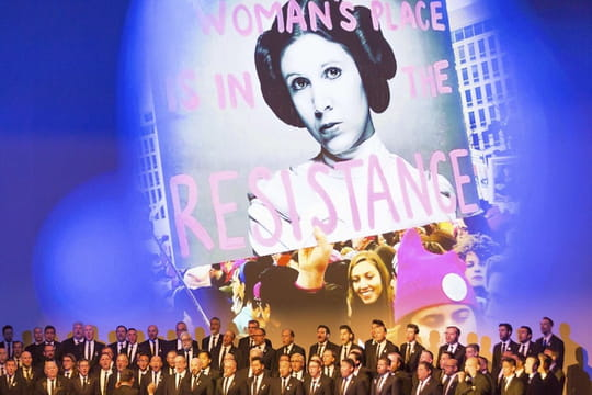 Star Wars 8 : George Lucas rend hommage à Carrie Fisher