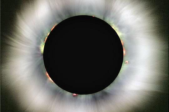 Eclipse solaire: un plongeon dans l'obscurité