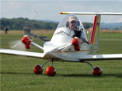 cet avion est le plus petit du monde.