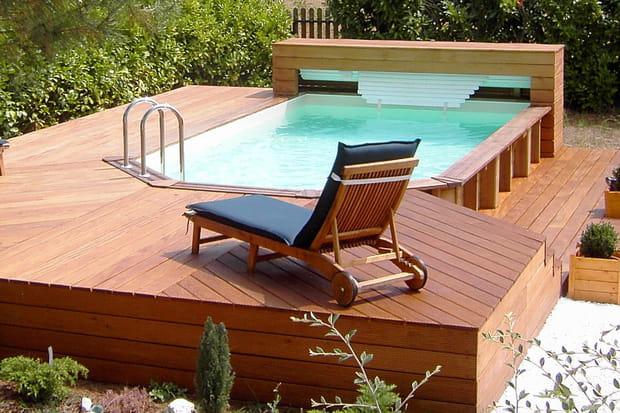 une piscine semi enterr e. Black Bedroom Furniture Sets. Home Design Ideas