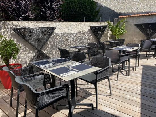 Restaurant : Esprit Bistro  - Terrasse extérieure -   © Esprit Bistro