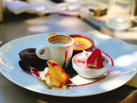 Dessert : L'Abri des Dinos  - Café gourmand -   © Lesdinos