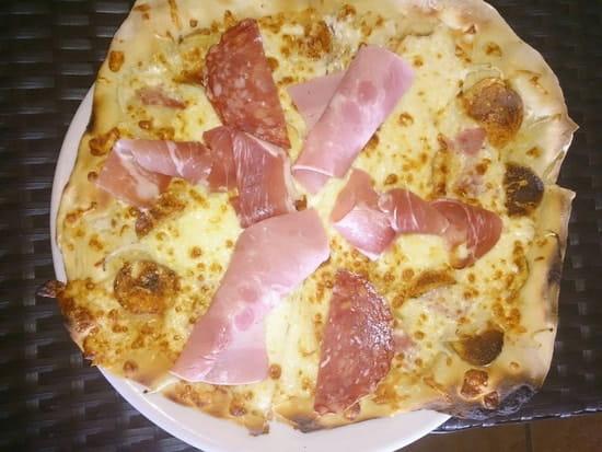 Plat : Auberge du Petit Lac  - La pizza du w.end ! -