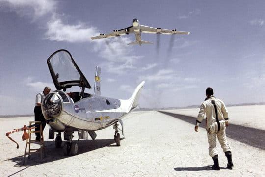 HL-10 et B-52 en 1969