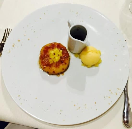 Dessert : Le Millésime  - Ananas rôti au poivre de Sichuan, sorbet fruit de la passion!! -