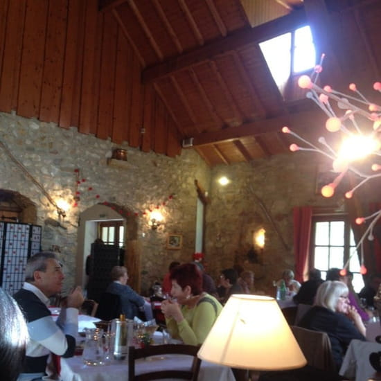 Restaurant : Auberge Du Grand Jet  - Salle de restaurant -