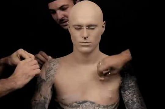 L'incroyable transformation de l'homme le plus tatoué au monde