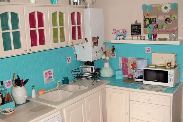 Une cuisine color e for Faience cuisine coloree