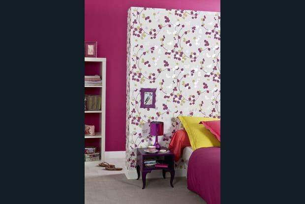 une t te de lit en papier peint. Black Bedroom Furniture Sets. Home Design Ideas