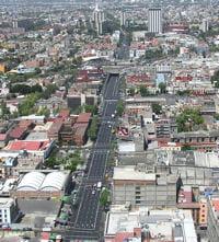 l'avenue des insurgés, ou avenida de los insurgentes de mexico.
