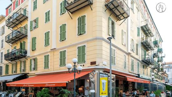 Restaurant : Les 2 Terrasses  - Une des terrasses extérieures -   © Les 2 Terrasses