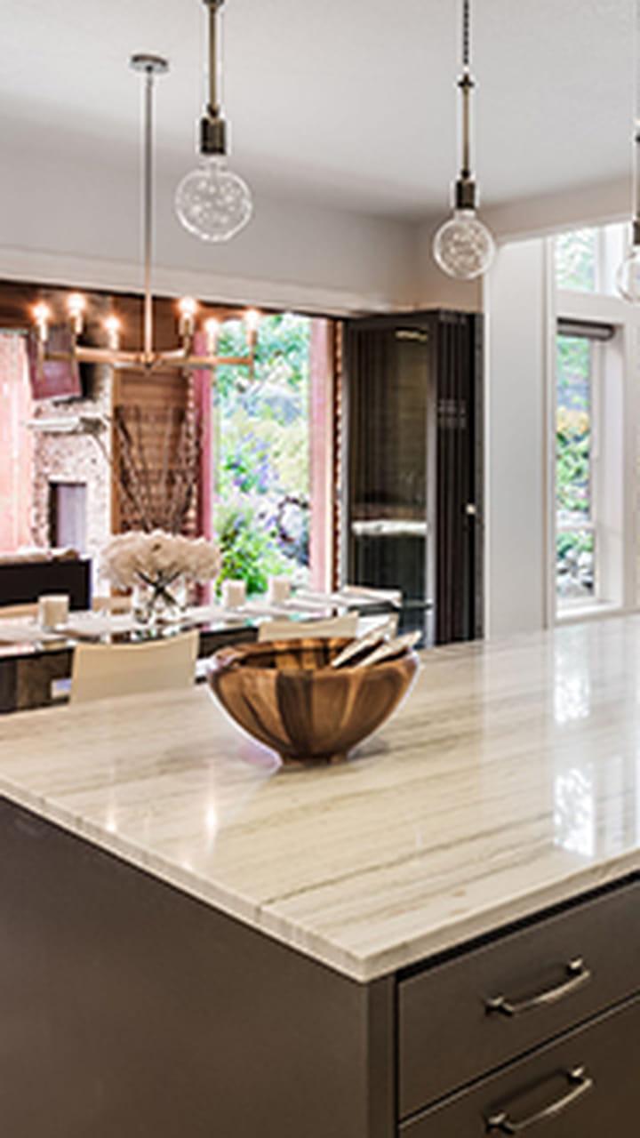 Refaire Une Cuisine À Moindre Frais nettoyer ses meubles en bois brut