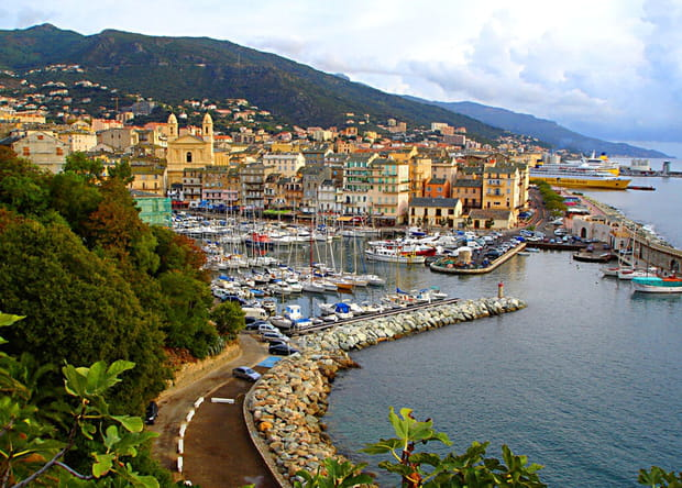 Le charme des petits ports de France