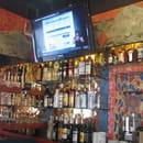 Bar snack pizzeria La Cabane  - interieur du bar  -