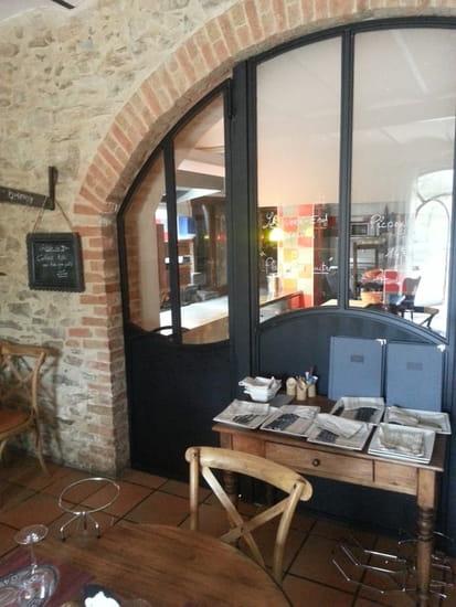 Le Comptoir de l'Evèsque  - vue sur la cuisine -