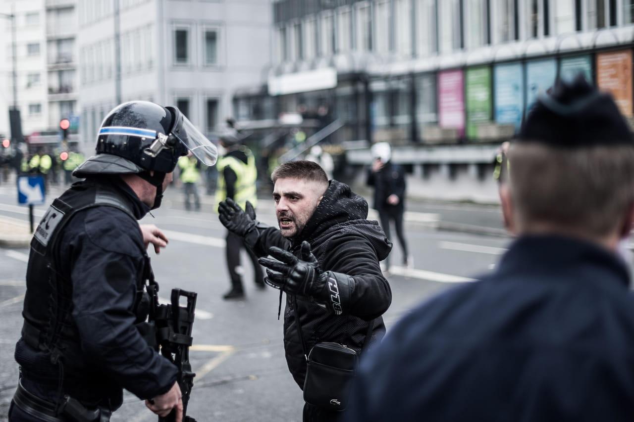Crise des gilets jaunes: les policiers rappelés à l'ordre, l'acte 10se prépare