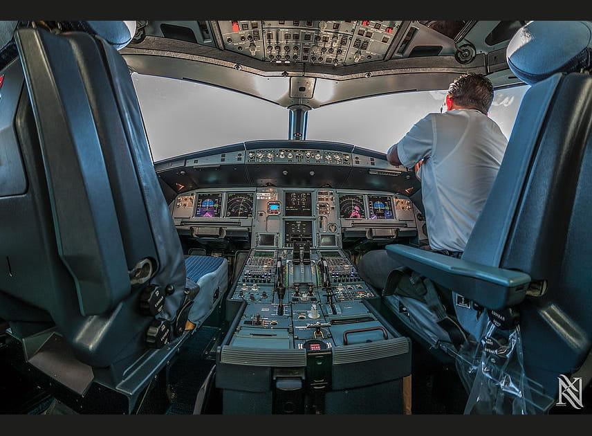 Le cockpit, sous un autre angle