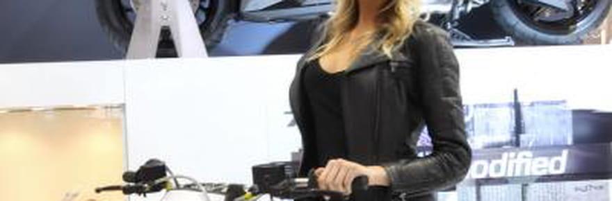 Salon de la Moto de Paris 2013: les hôtesses