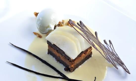 Restaurant la Maison Blanche  - Fondant au chocolat et croquant praliné -   © JFL