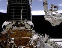 Hubble, vues de l'espace : Une perspective cosmique