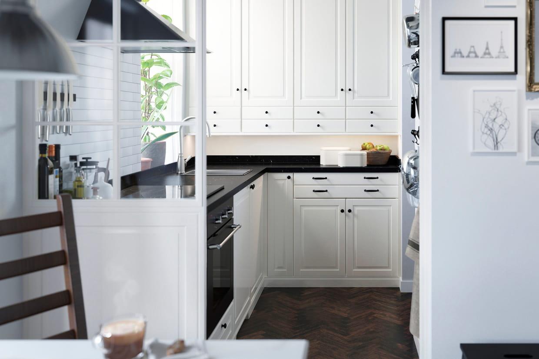 une cuisine gain de place. Black Bedroom Furniture Sets. Home Design Ideas