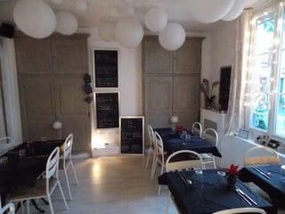 Le 31 Bistrot Chic  - Notre salle principale à l'ambiance claire et chaleureuse -