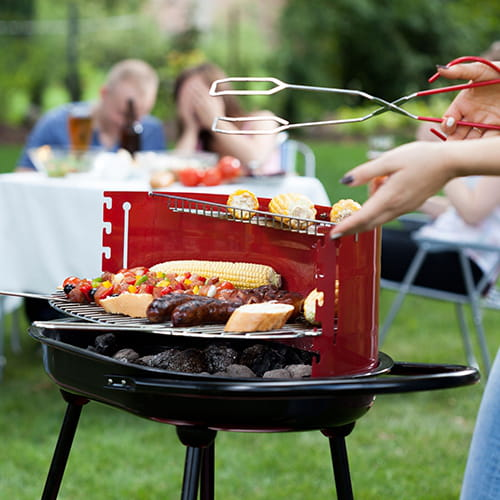 Pour d graisser la grille du barbecue - Comment nettoyer la grille du barbecue ...