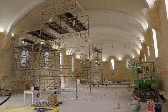 Ils construisent un monastère roman au XXIe siècle