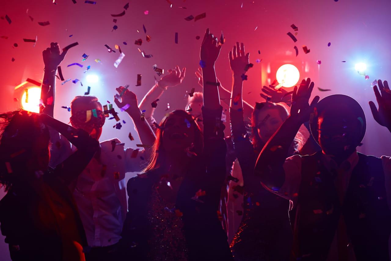 Boîte de nuit: quelle date de réouverture pour les discothèques?