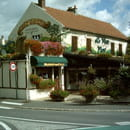 Chez Gaston au Petit Pavé  - au coeur du bourg de Serris -   © moi meme