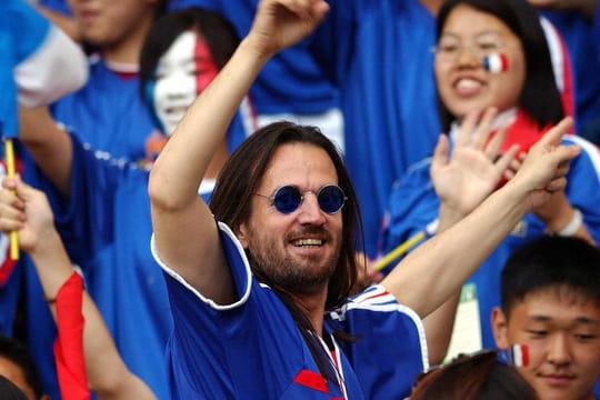 """Francis Lalanne: pour la Coupe du monde, il ressort son """"Chant des supporters"""""""