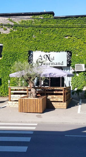 Au Nid Gourmand  - terasse d'été -