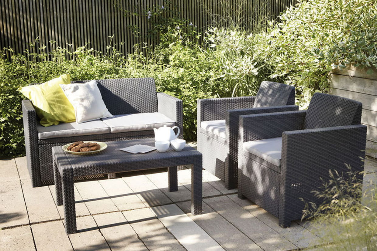 une terrasse en r sine. Black Bedroom Furniture Sets. Home Design Ideas