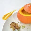 Entrée : New Lodge  - Potage de potiron, crème fraîche et comté râpé -   © Restaurant New Lodge