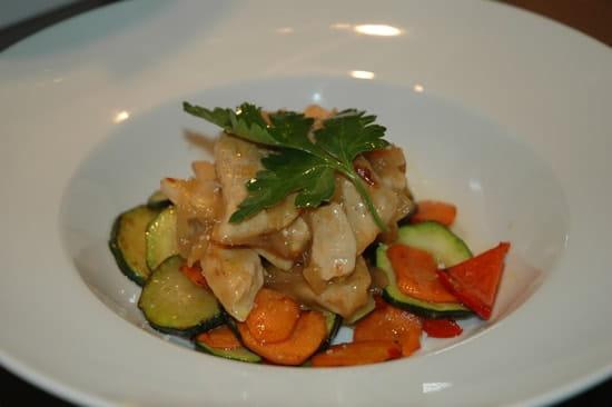 La Cigale  - wok de poulet caramélisé au citron vert -