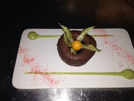 Dessert : La Licorne  - Mi cuit au chocolat, coulis banane avocat -
