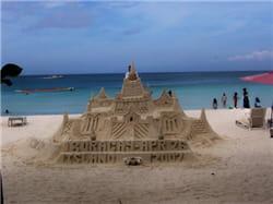 qu'est-ce qu'une plage sans son château de sable ?
