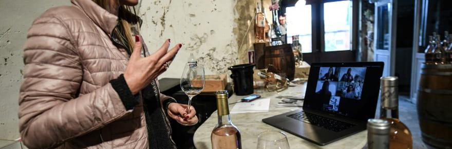 """En Provence, """"visio-dégustations"""" ou """"drive-in"""" pour contrer la chute des ventes de vin"""