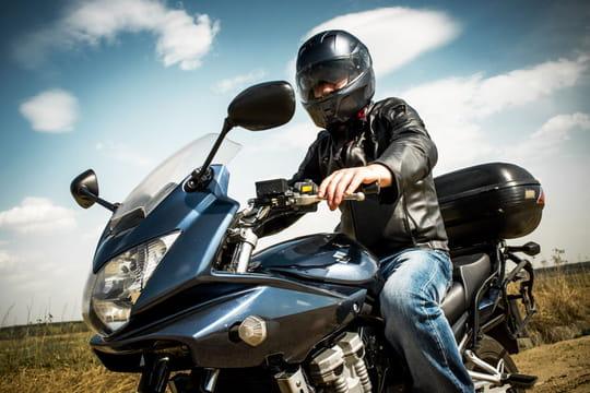 Comment bien choisir son casque de moto ? [prix, tailles, normes]