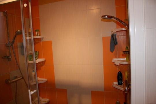 un double douche l 39 italienne. Black Bedroom Furniture Sets. Home Design Ideas