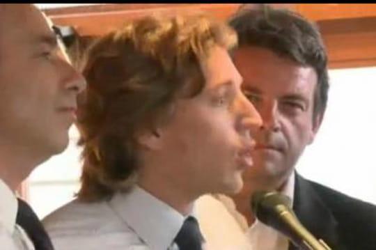 Jean Sarkozy: embauché par le cabinet d'avocats de son père... sans être avocat