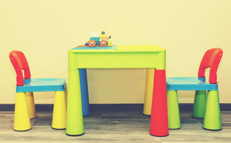 Meilleure table enfant: idées, conseils et modèles sympas